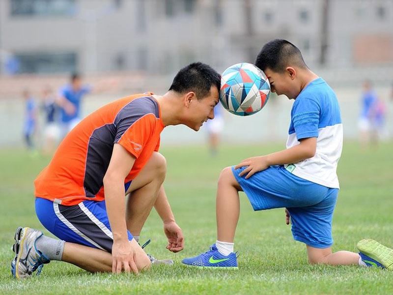Life Kinetik im Fußball hier Jugend und Trainer